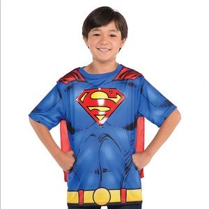 🆕 Child Superman T-Shirt with Cape, Medium
